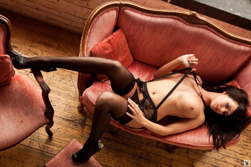 bethanie-badertscher-stockings-09