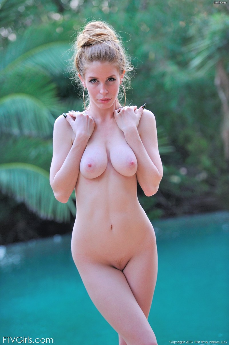 bethany-bikini-pool-ftvgirls-23