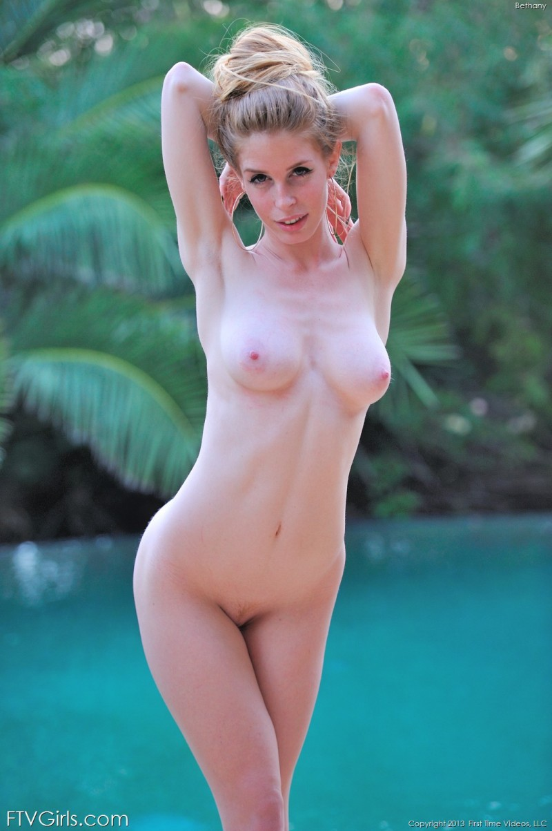 bethany-bikini-pool-ftvgirls-24