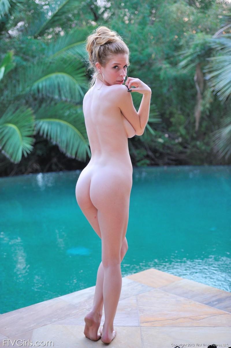 bethany-bikini-pool-ftvgirls-26