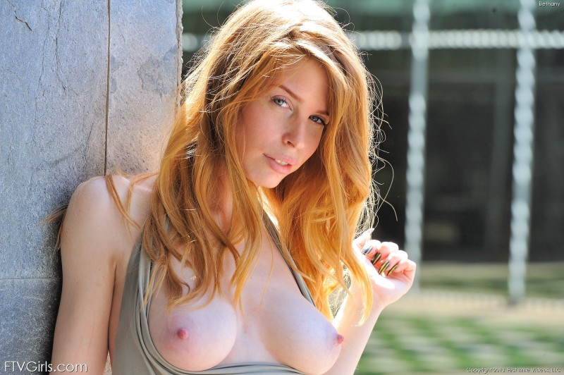 bethanie-skye-outdoor-nude-ftvgirls-04