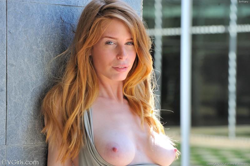bethanie-skye-outdoor-nude-ftvgirls-05