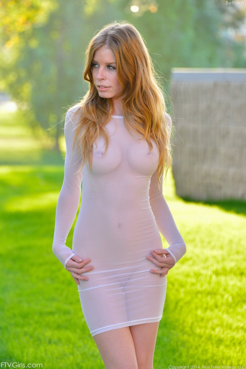 bethany-flash-nude-park-ftvgirls-06