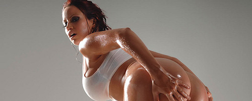 Bianca Beauchamp – Oiled body