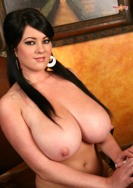 Фото большые сиски голых девушек 25 фотография
