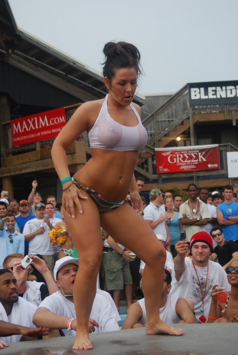 bikini-party-wet-coed-girls-show-18