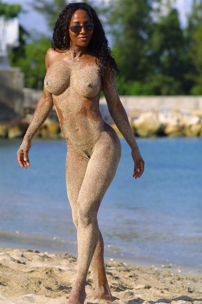 Nude african princess — pic 8