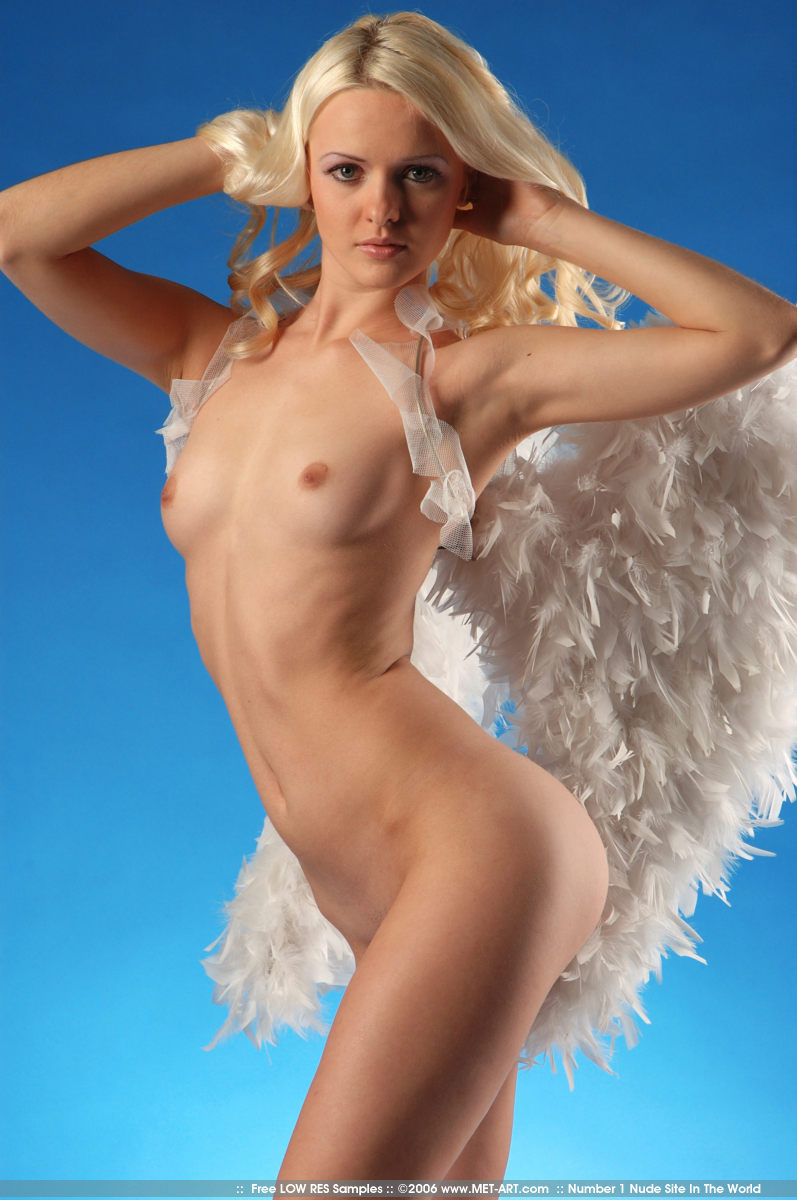 Обнаженные Ангелы Фото
