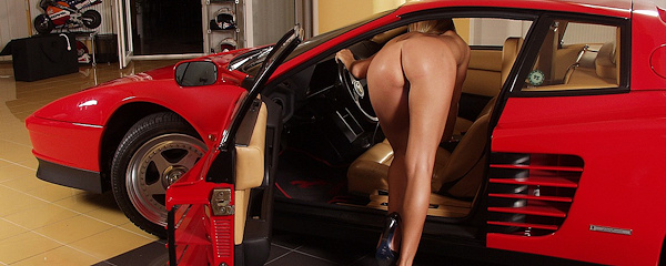 Jaroslava – Blonde and Ferrari