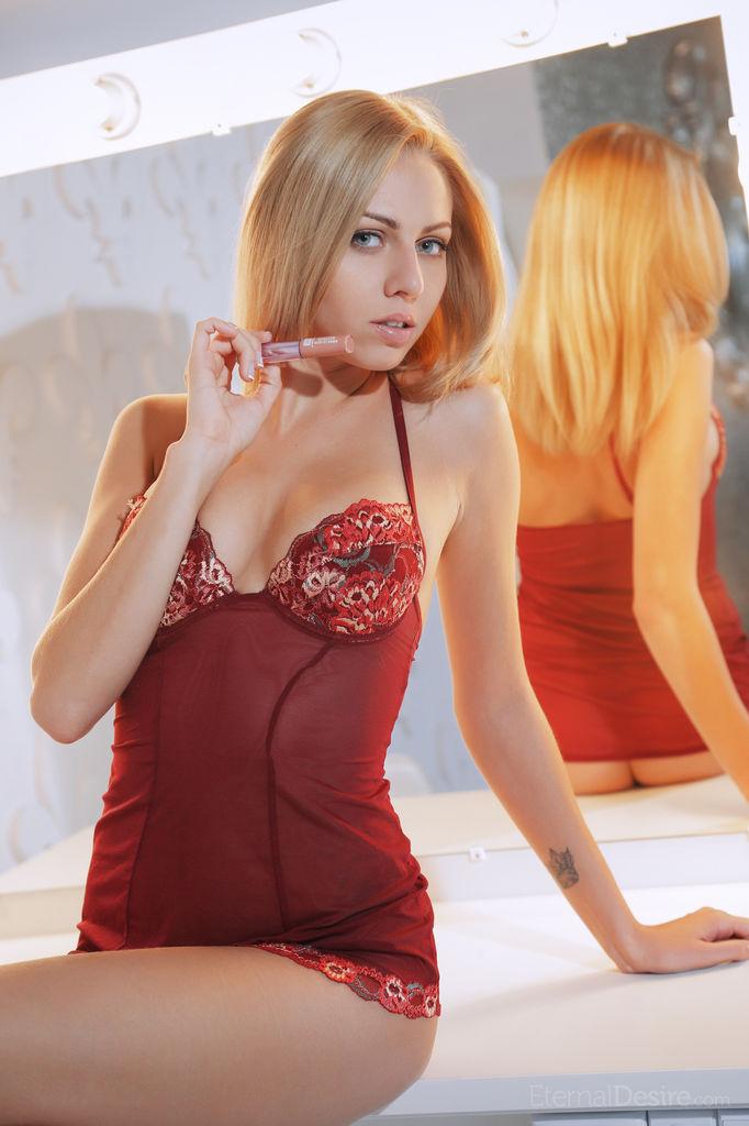 lija-blonde-nude-eternal-desire-03