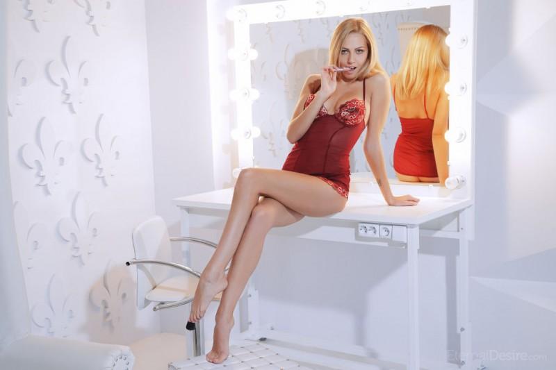 lija-blonde-nude-eternal-desire-06
