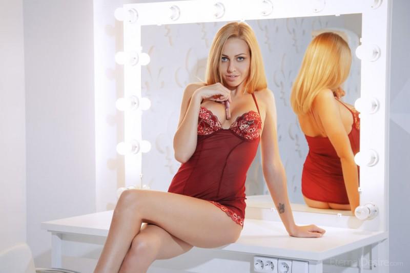 lija-blonde-nude-eternal-desire-07