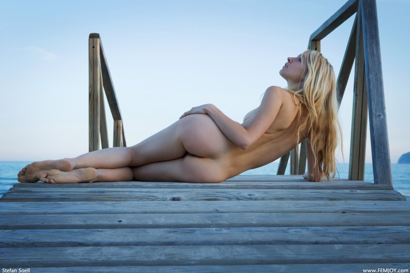 naked-blondes-vol3-09