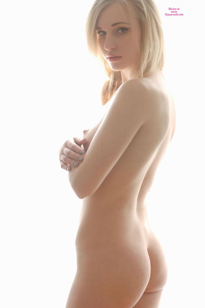 naked-blondes-vol3-20