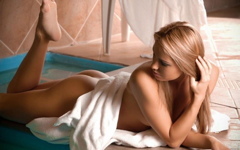 naked-blondes-vol3-23