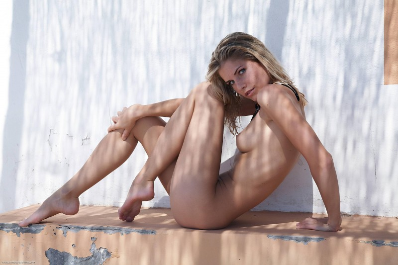 naked-blondes-vol3-65