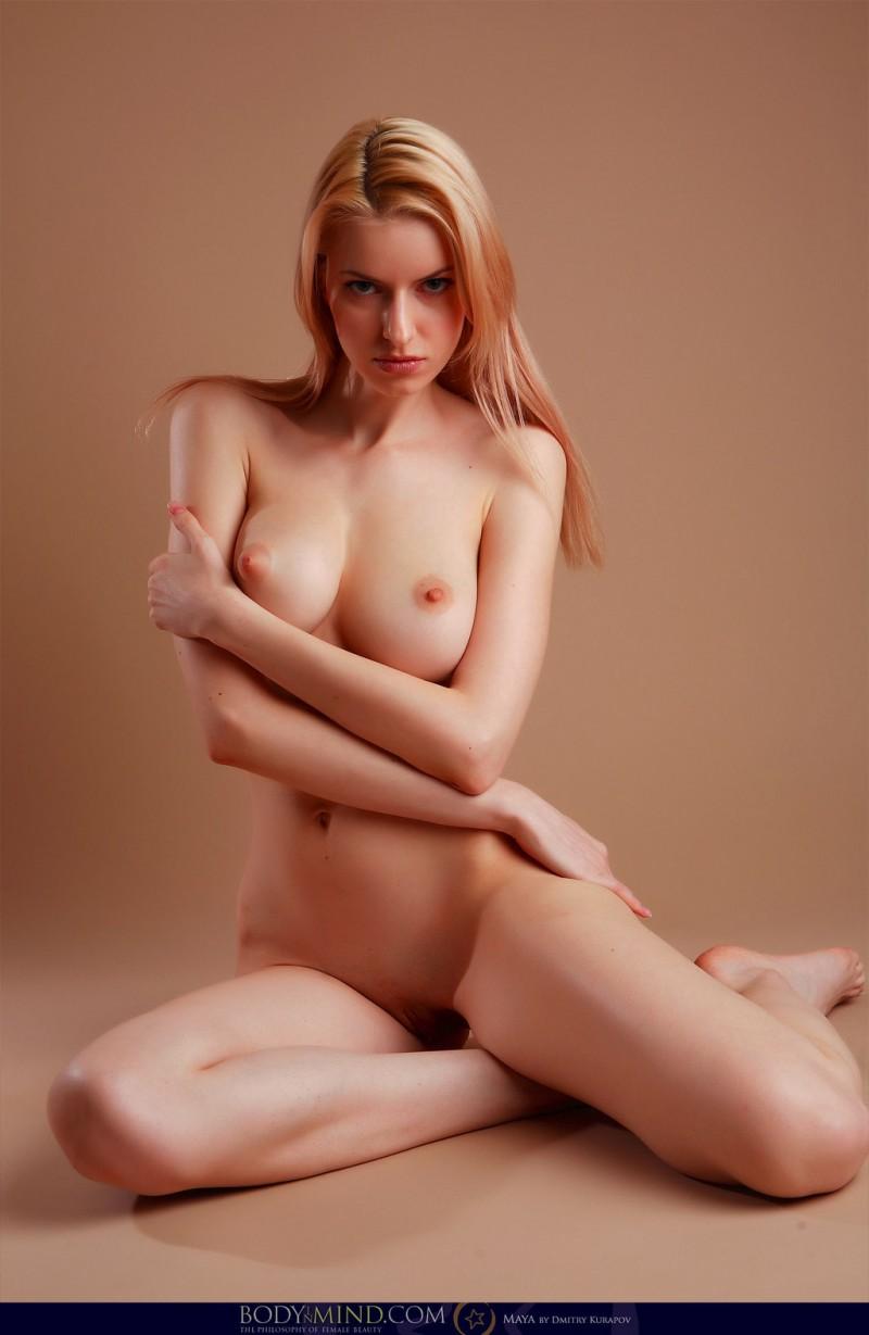 naked-blondes-vol3-70