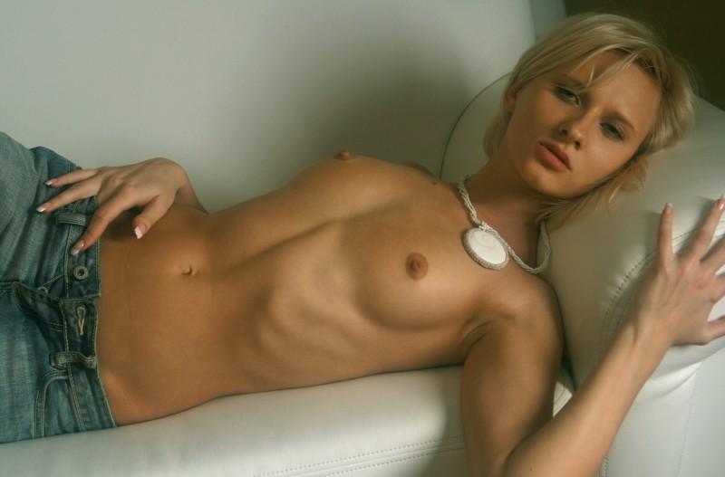 naked-blondes-vol3-79