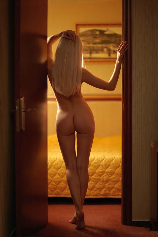 naked-blondes-vol3-82