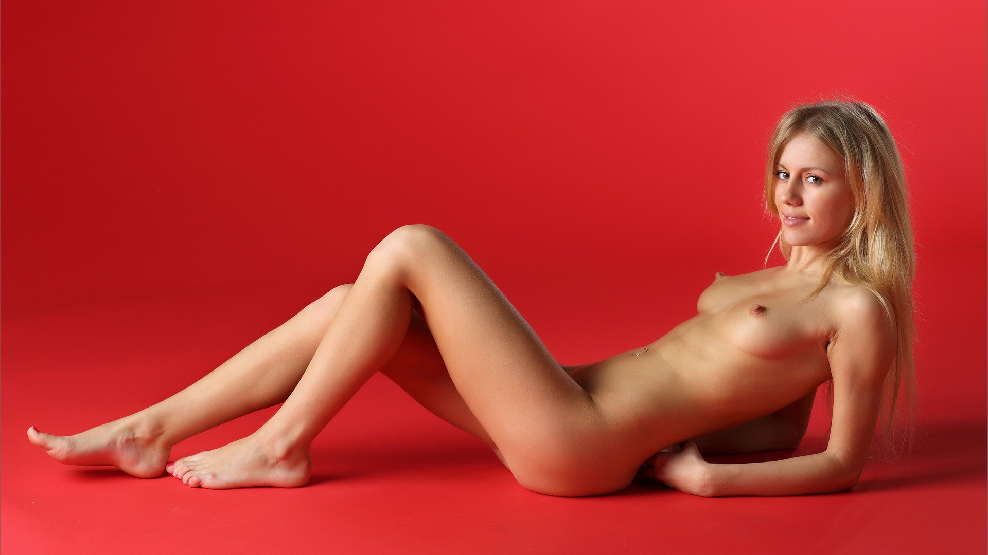 naked blondes