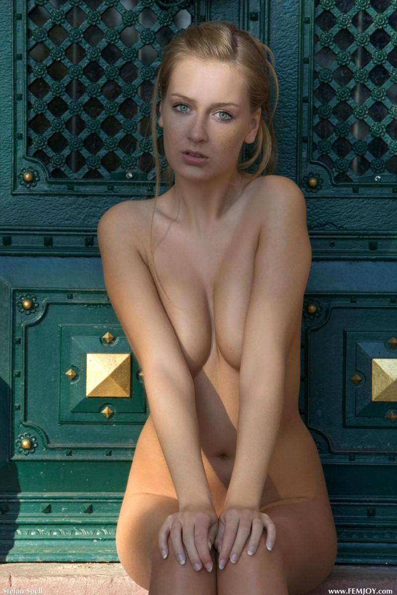 naked-blondes-vol4-05