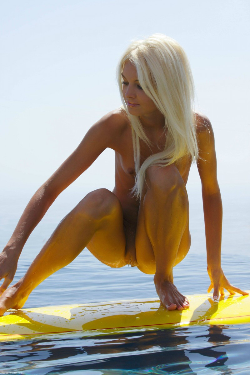 naked-blondes-vol4-16