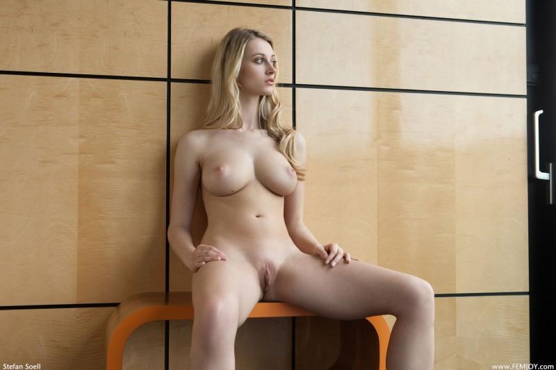 naked-blondes-vol4-19