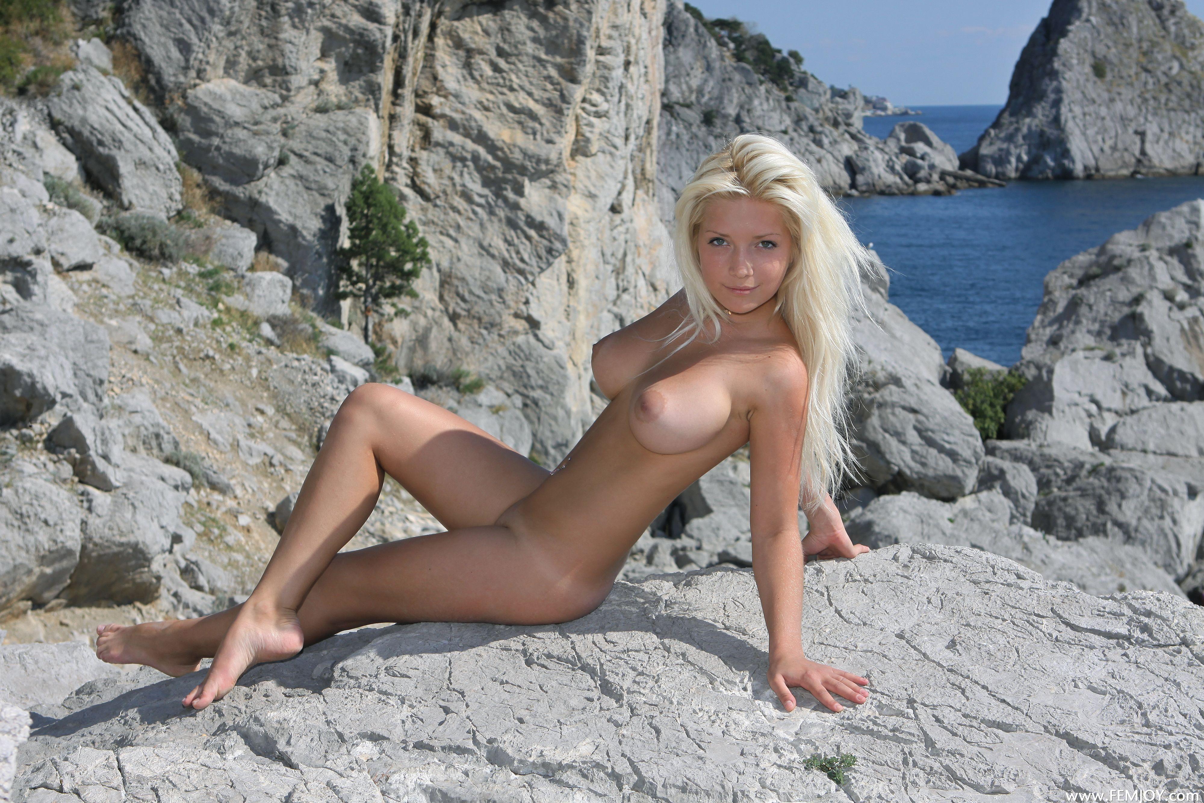 Naked blondes vol4 20 RedBust