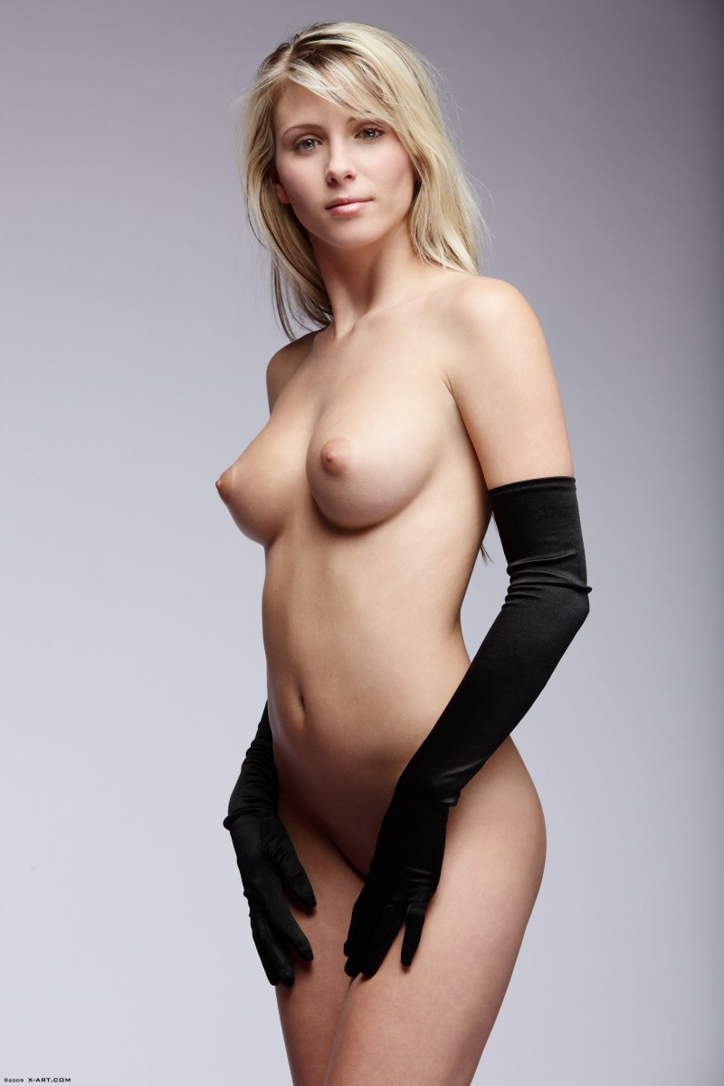 naked-blondes-vol4-31