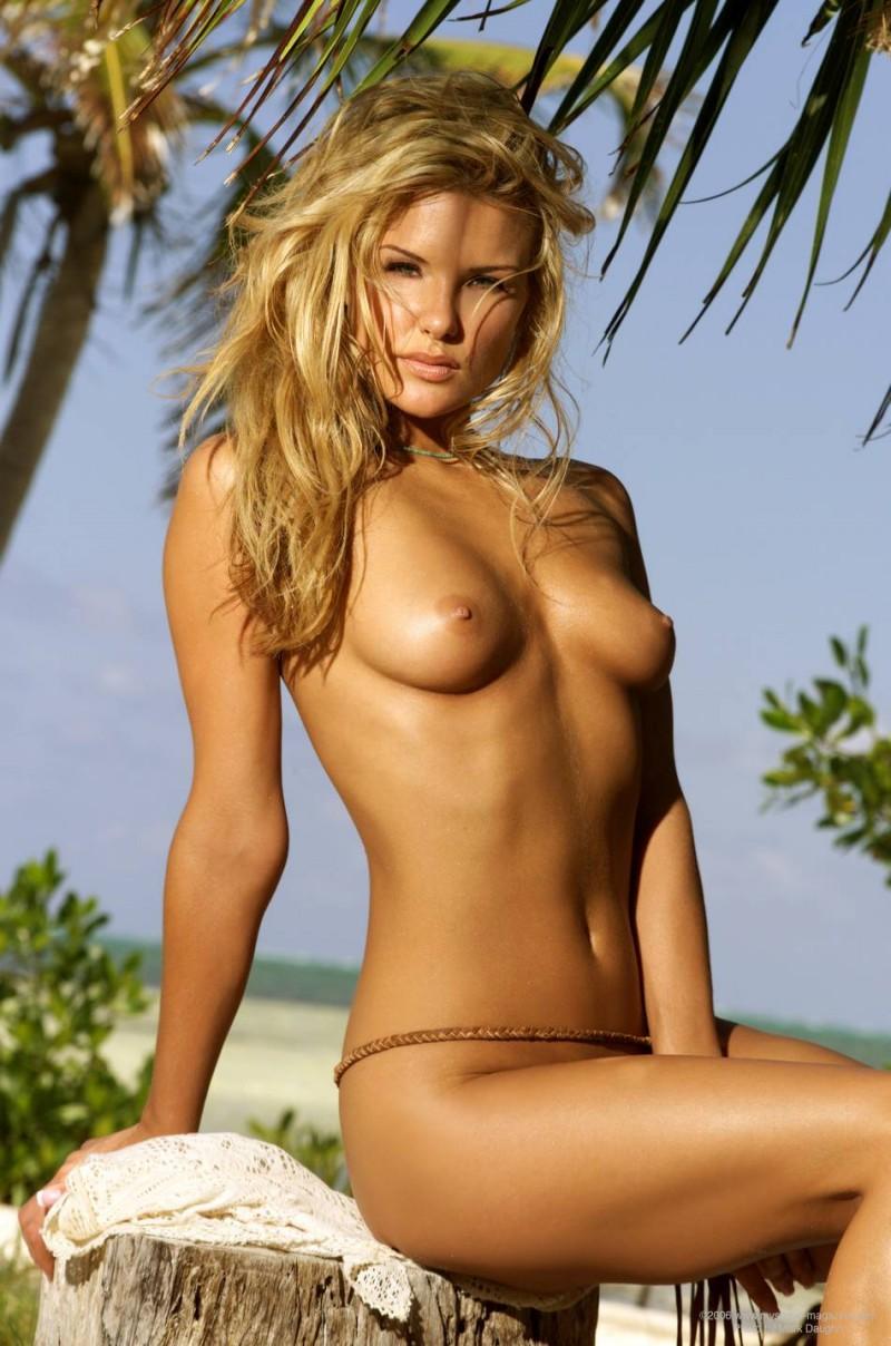 naked-blondes-vol4-36