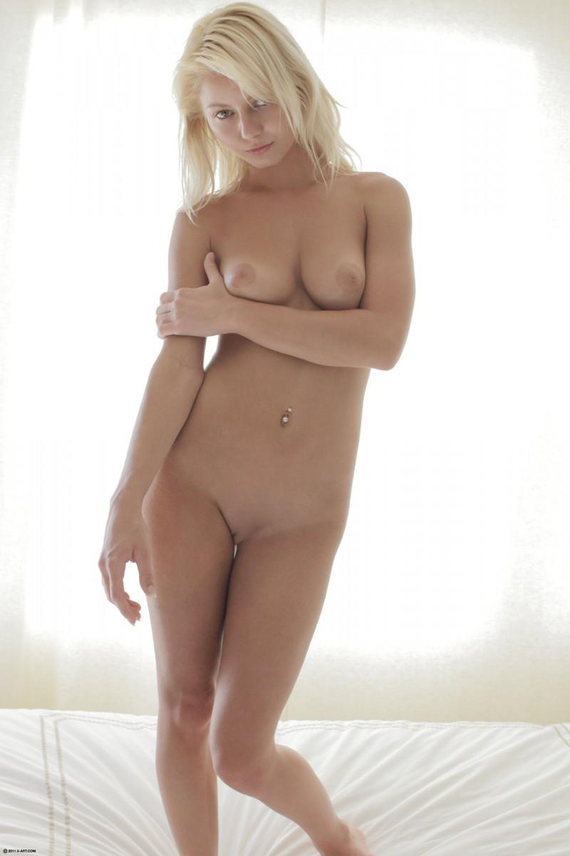 naked-blondes-vol4-40