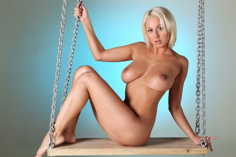 naked-blondes-vol4-60