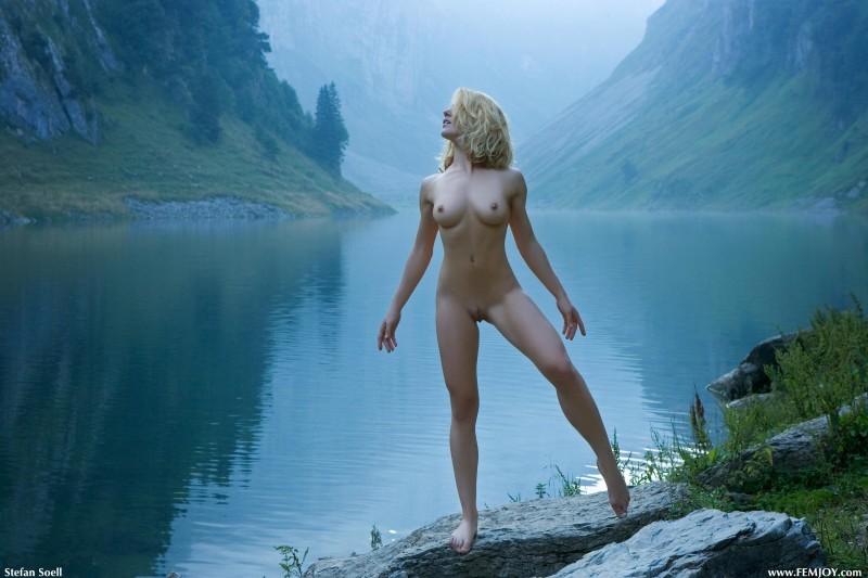 naked-blondes-vol4-84