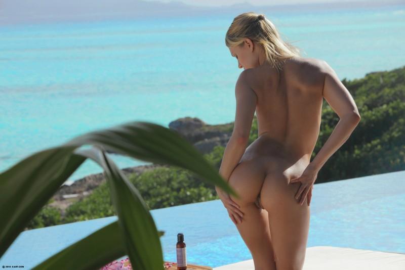 leila-bikini-naked-hot-sun-xart-13