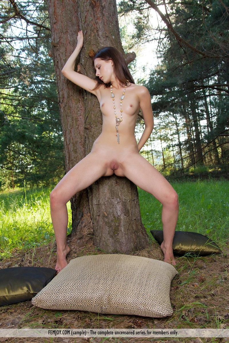 bianka-d-forest-femjoy-12