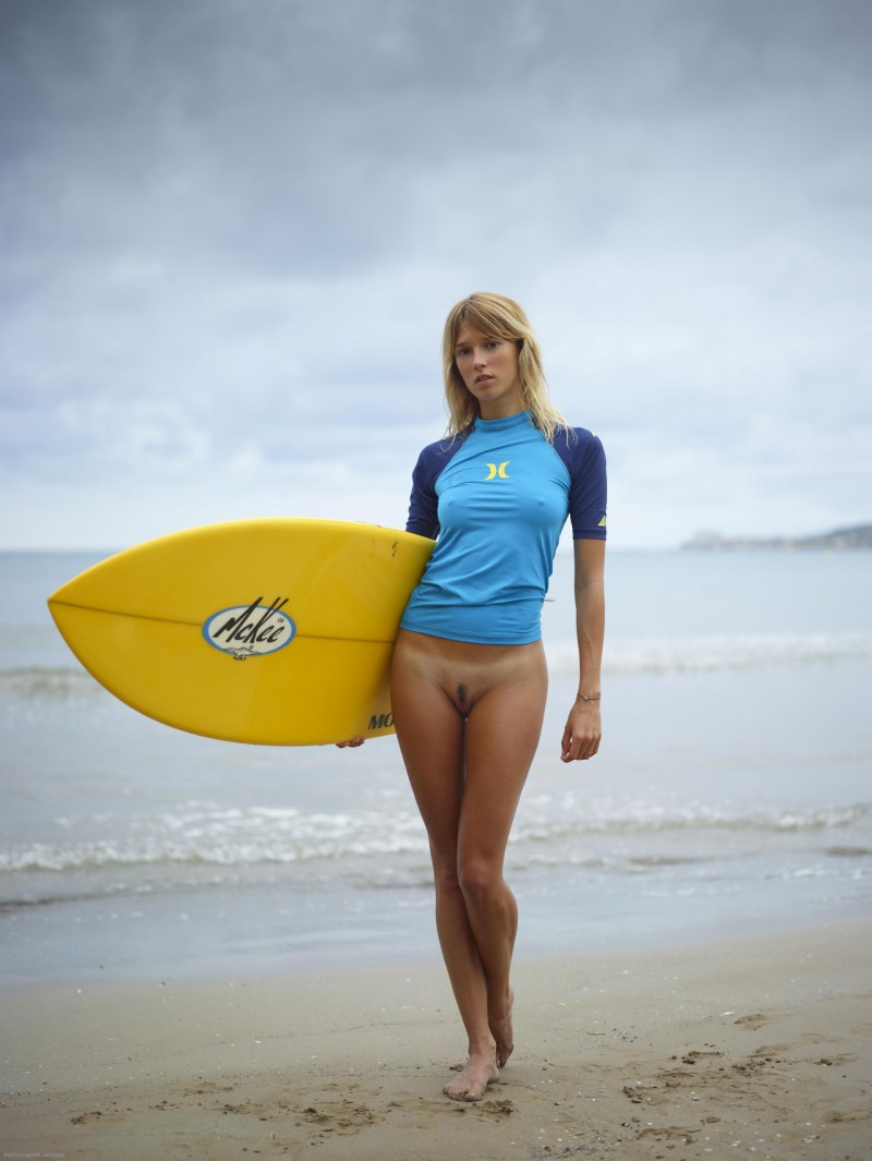 Congratulate, Hot girl surfing nude Many thanks