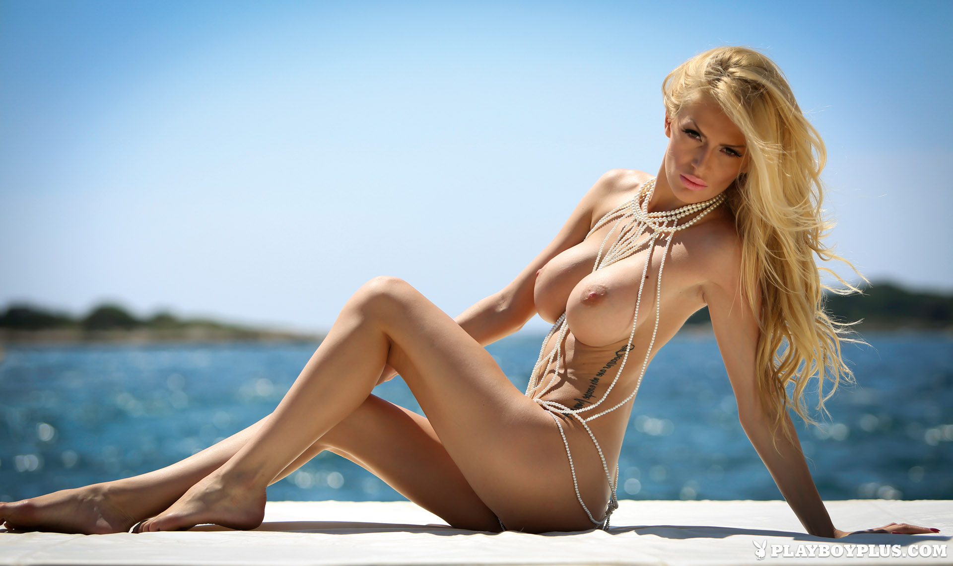 bozana-vujinovic-nude-boobs-blonde-croatia-playboy-03
