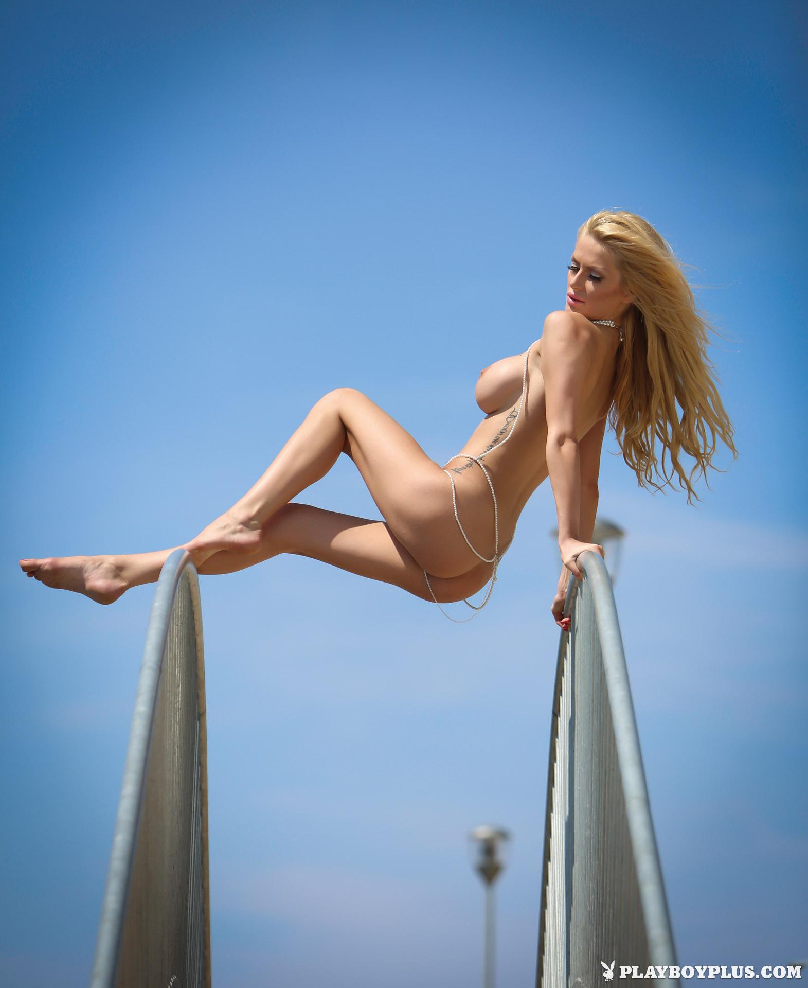 bozana-vujinovic-nude-boobs-blonde-croatia-playboy-10