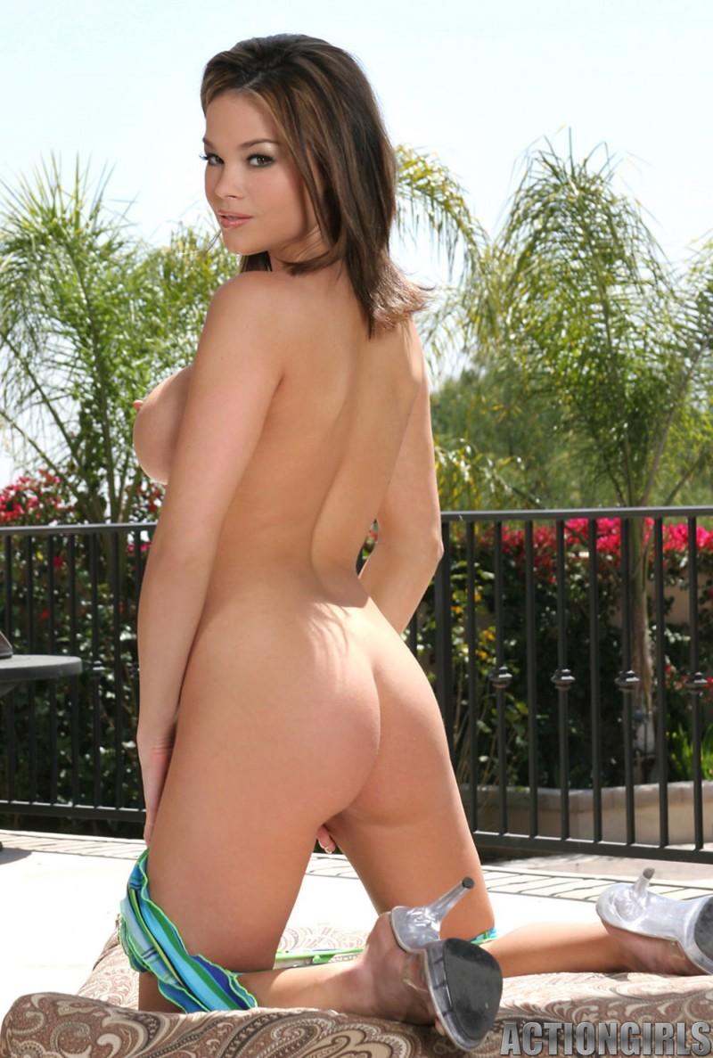 brea-lynn-bikini-actiongirls-14