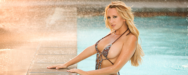 Brett Rossi in the pool