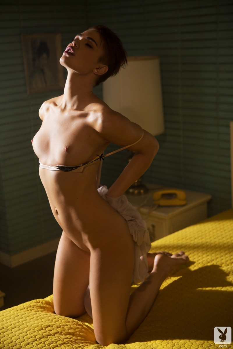 britt-linn-motel-room-playboy-02