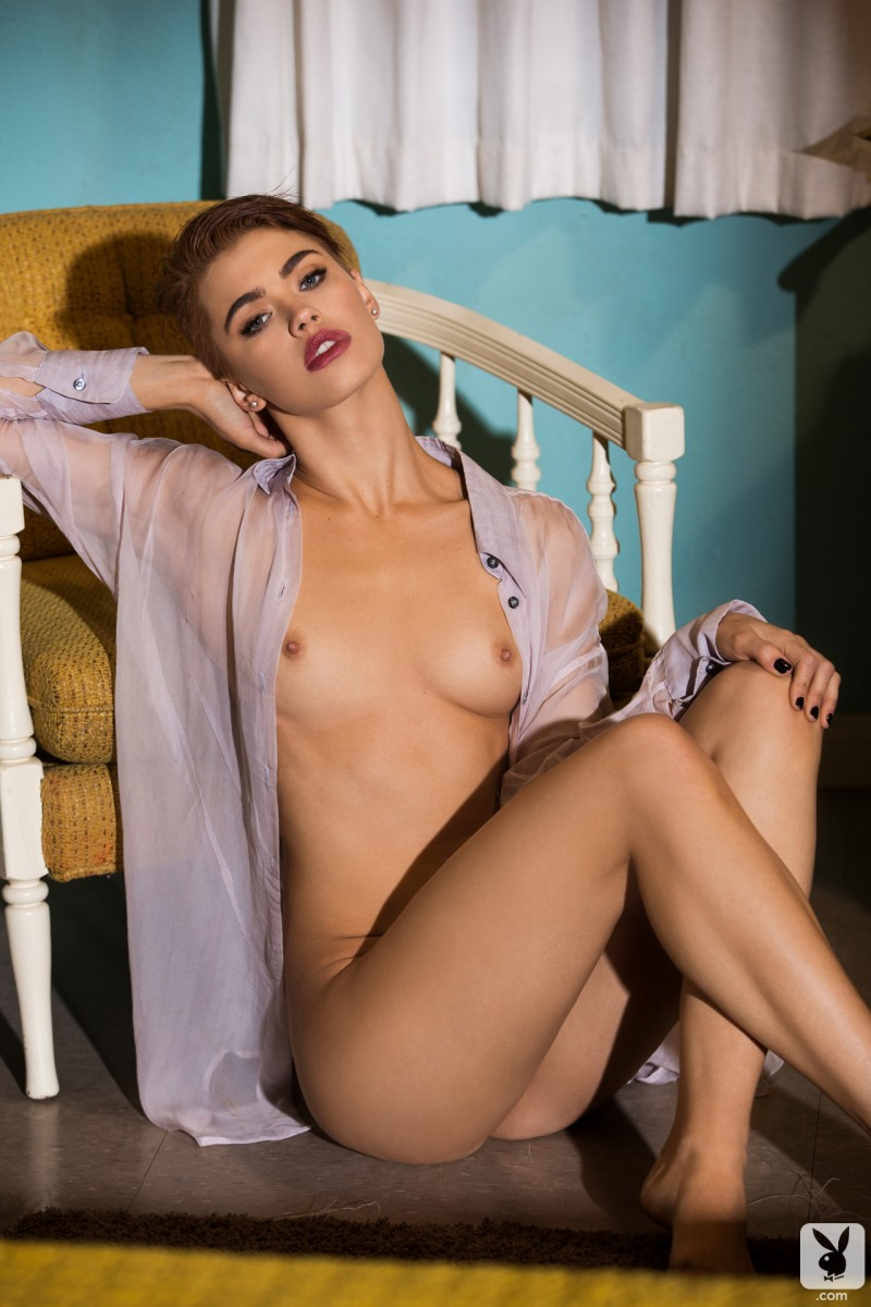 britt-linn-motel-room-playboy-07
