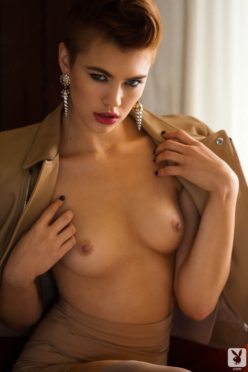 britt-linn-motel-room-playboy-18