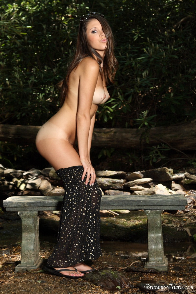 brittany-marie-nude-bench-08