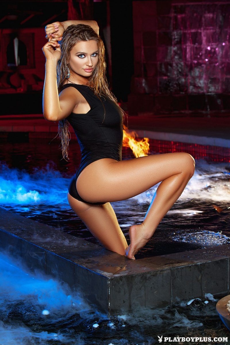 brittney-shumaker-nude-swimsuit-jacuzzi-playboy-02