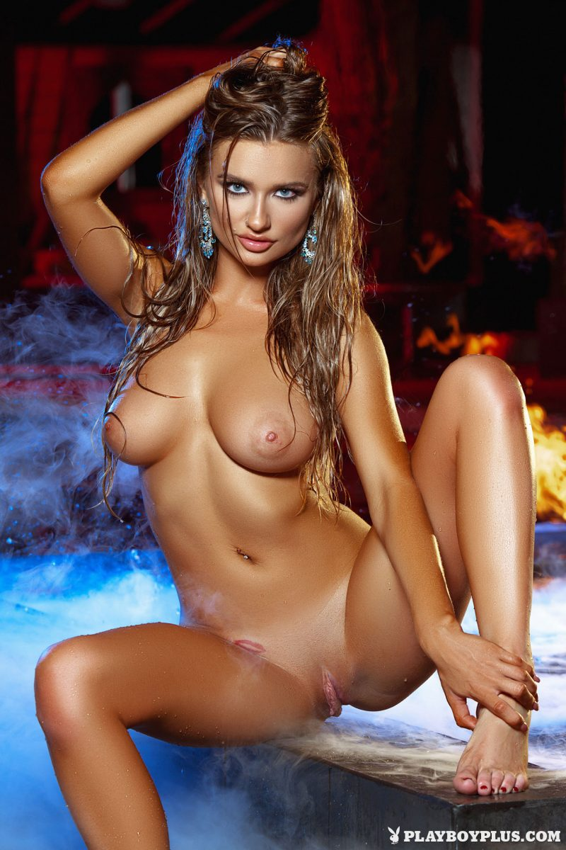 brittney-shumaker-nude-swimsuit-jacuzzi-playboy-25