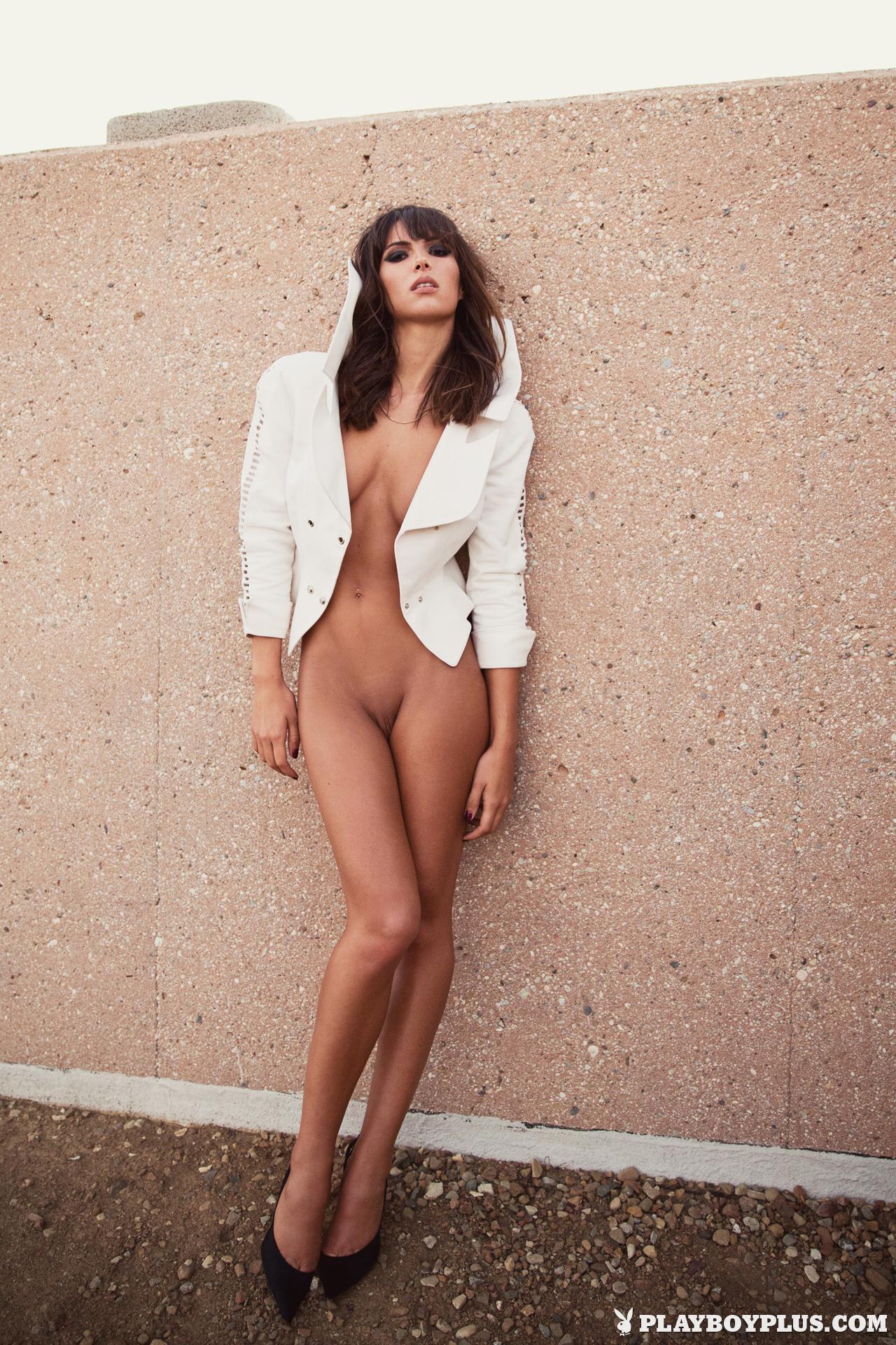 Silvia saint full nude body