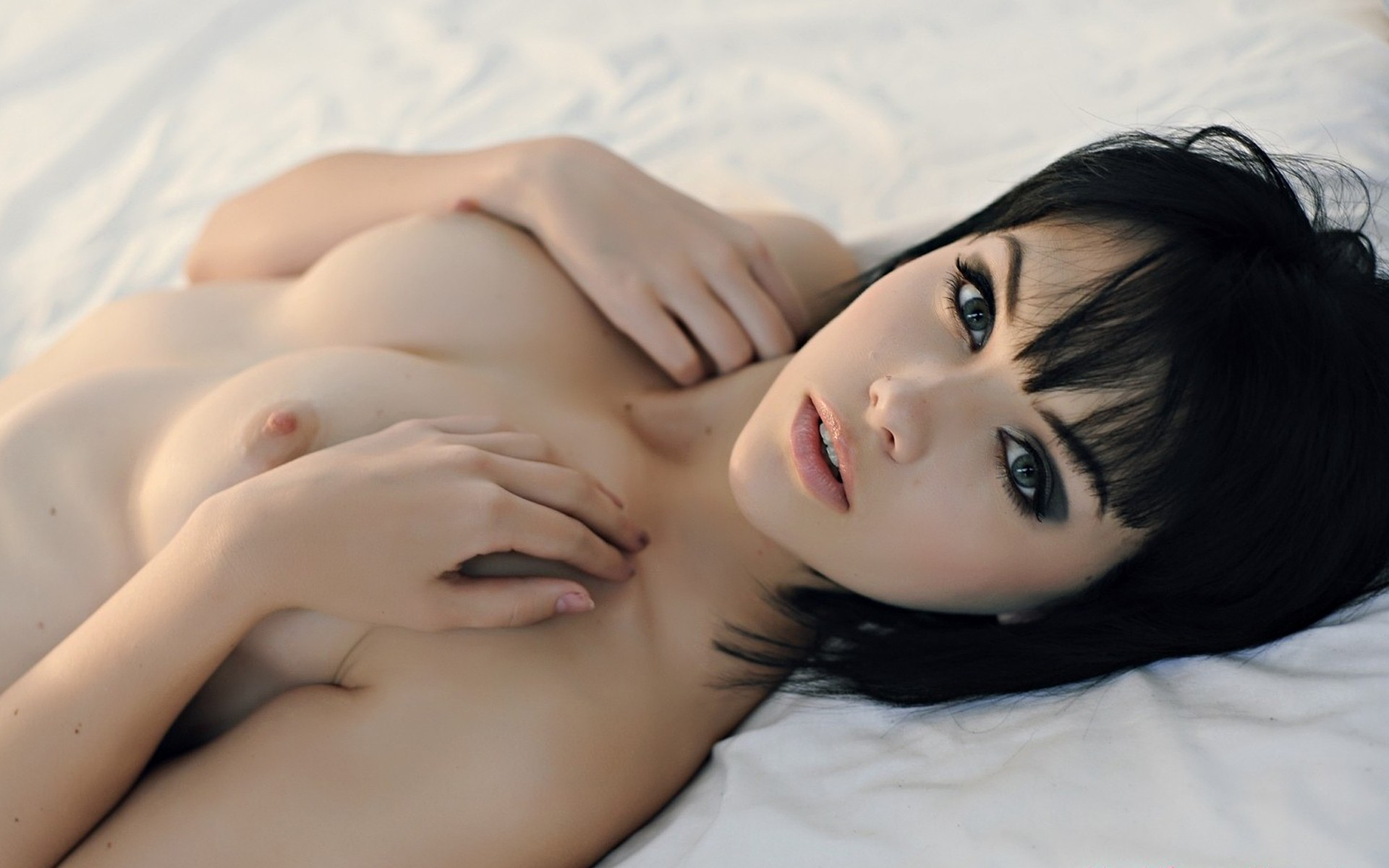 nude-brunettes-vol1-08