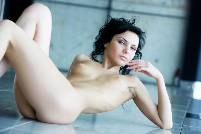 nude-brunettes-vol1-10