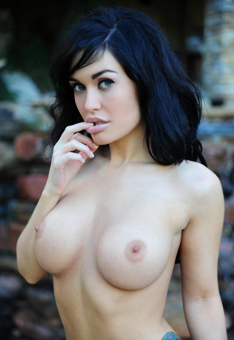 nude-brunettes-vol1-15